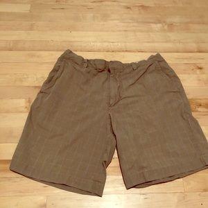 Men's Banana Republic plaid flat front shorts